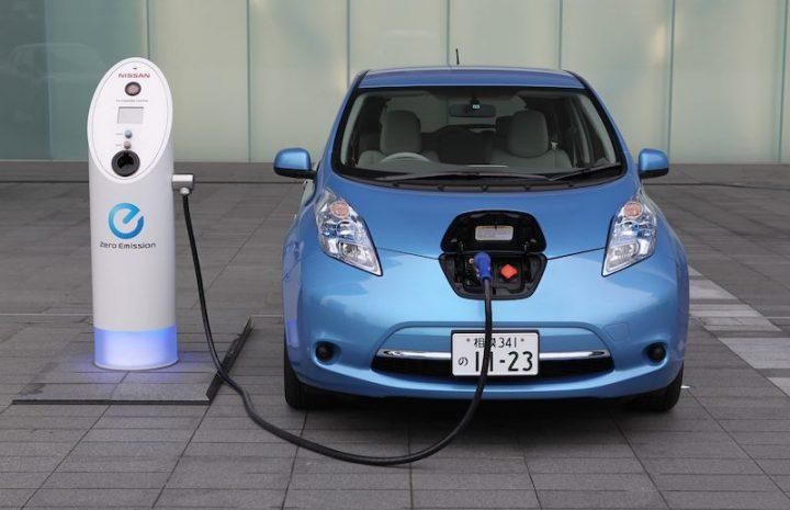¿Cuánto cuesta el seguro de coche eléctrico?