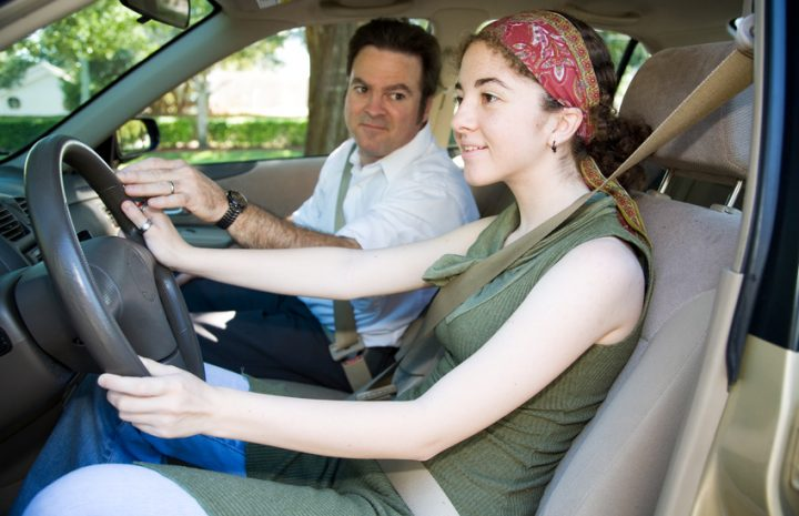 Ahorra al agregar adolescente a tu seguro