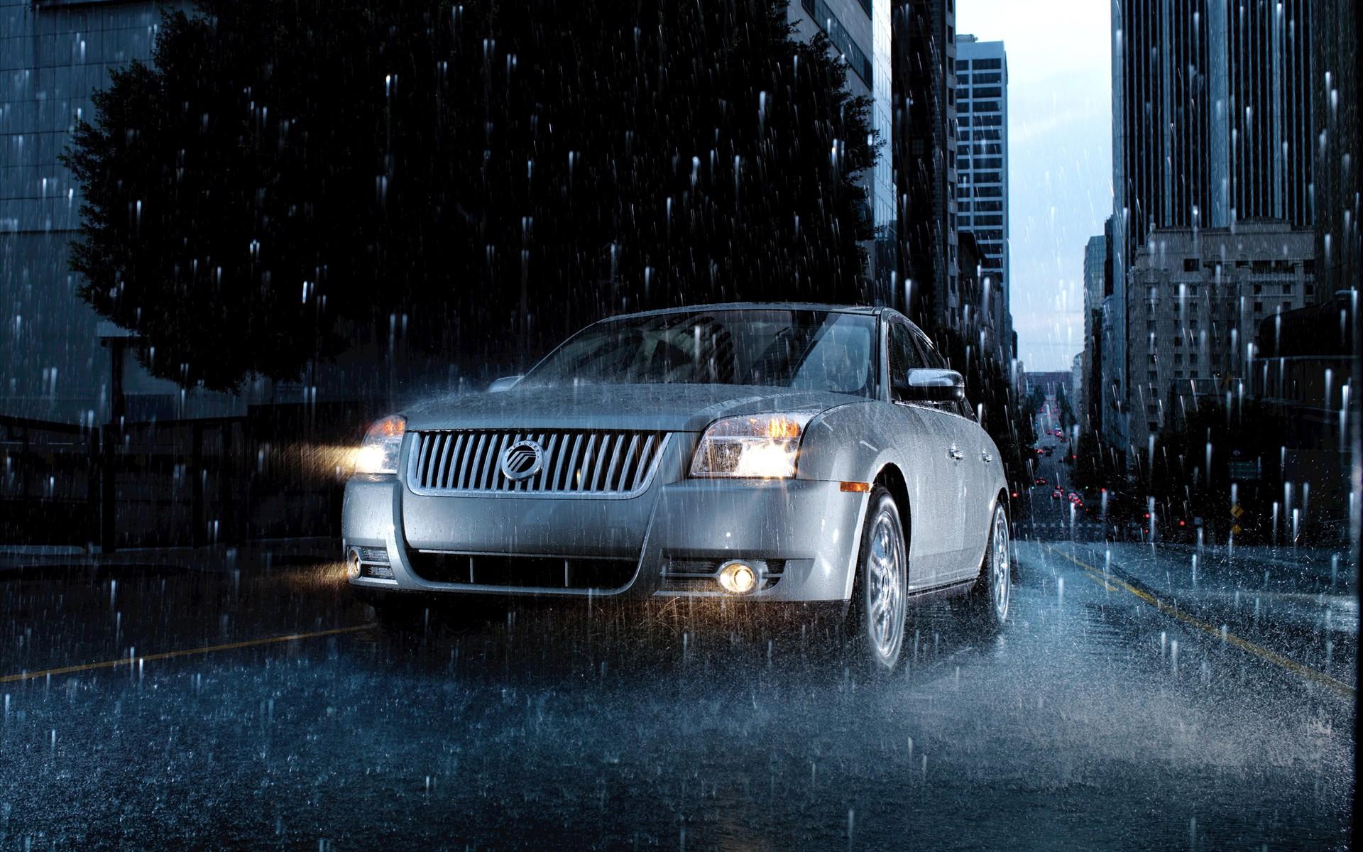 Auto en la lluvia