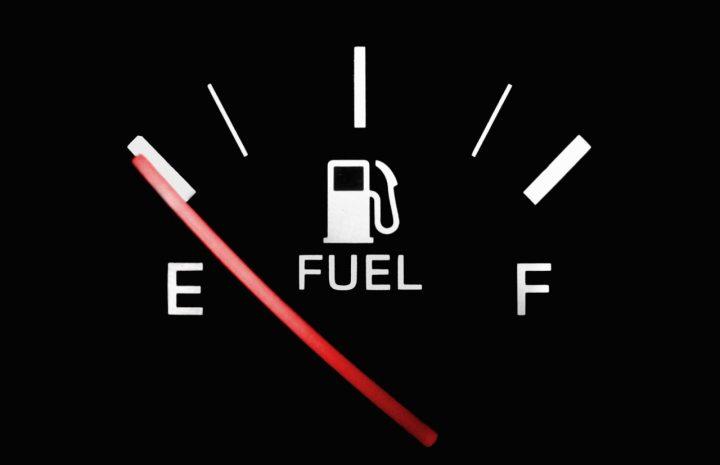 Qué hacer si tu auto se queda sin gasolina